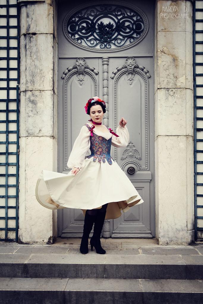 Milady de Winter, robe de mariée avec corset