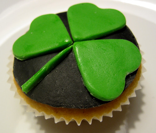 St Patrick's Day Shamrock Cup Cake | by somewhereintheworldtoday