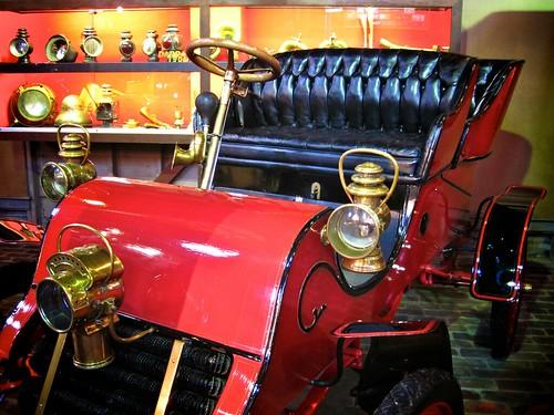 1903 cadillac runabout with tonneau cadillac motor car for Cadillac motor car company