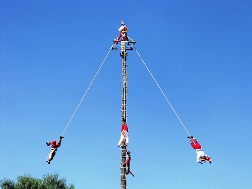 Danza de los voladores de Papantla (Dance of the flyers) | by muninternational