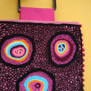 Bag amoeba pink | by saraaires (quartodeideias)