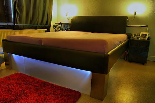 diy bett diy bett grundrahmen aus 19mm mdf der mit schaum flickr. Black Bedroom Furniture Sets. Home Design Ideas