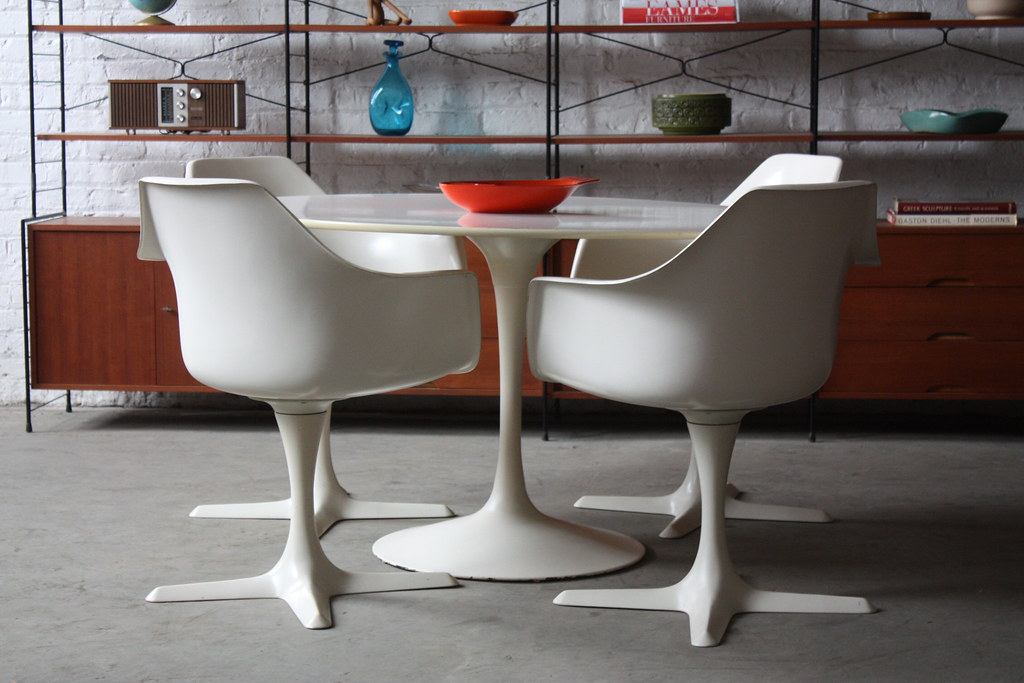 ... DECK*** Mid Century Modern Burke Tulip Table And Four
