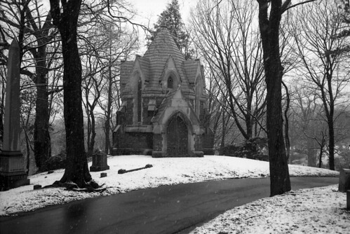 the green-wood cemetery | by triebensee