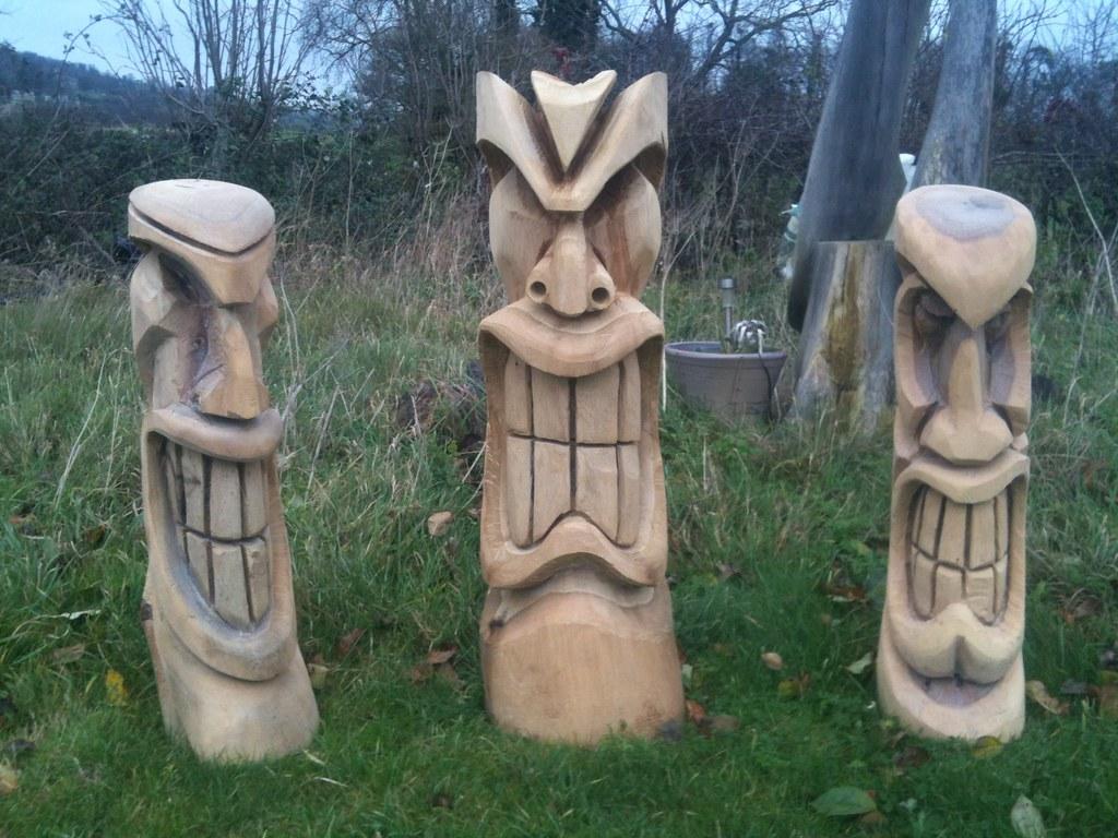 tiki carvings