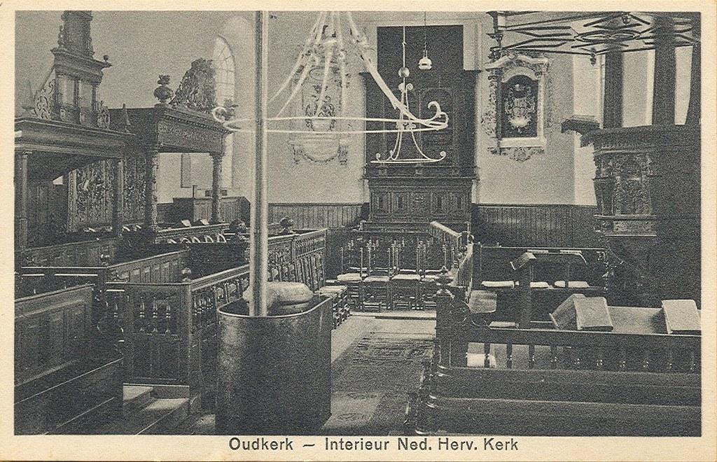 archief f interieur ned herv kerk eind 40 er jaren archief f