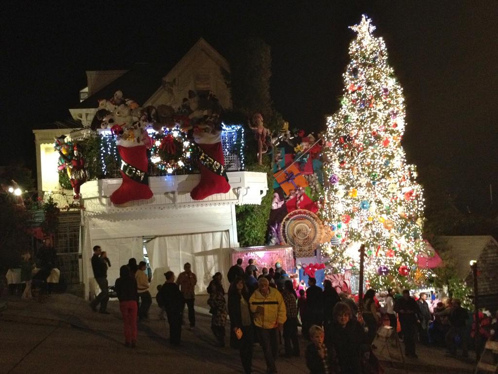 Tom Jerrys Christmas House In San Francisco Rkallerud