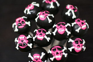 Skull and Crossbones cake pops | by Sweet Lauren Cakes