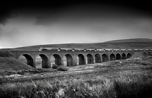 Dandry Mire Viaduct, Garsdale Head, Cumbria | by 2c..
