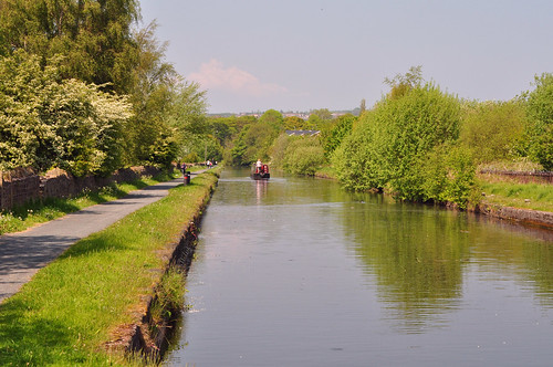 DSC_0014 -  Leeds Liverpool canal, Burnley | by SWJuk