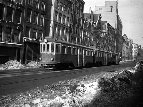 NZH Haarlem B450er+A+B, Spuistraat (1954) | by Library of Amsterdam Public Transport