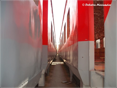 In the midst of Rajdhani | by Debatra