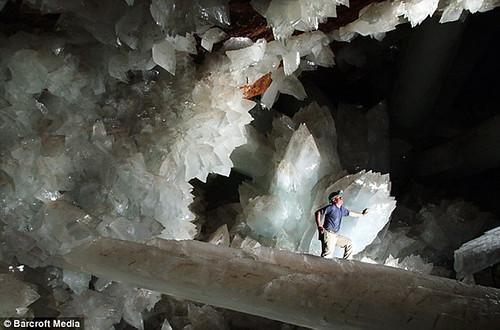 naica crystal caves foto von internet flickr