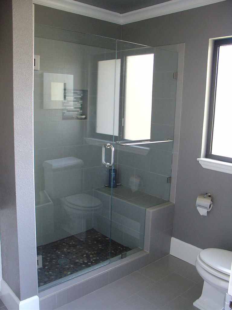 Walk In Shower With Bench And Frameless Glass Doors Flickr