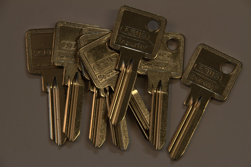 Keys Img | Locksmiths Dorchester | Goldi-Locksmiths Ltd