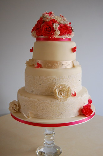 new style of wedding cakes vintage style wedding cake cerise and ivory roses this 17809