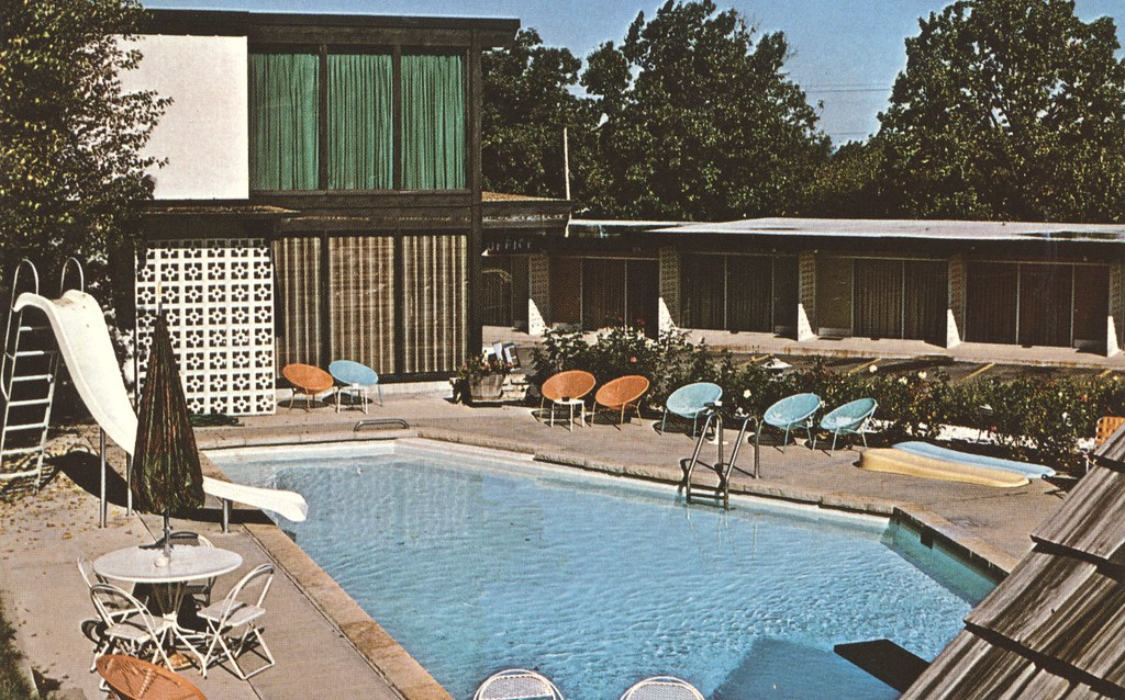 Lan-O-Lake Motel - Camdenton, Missouri