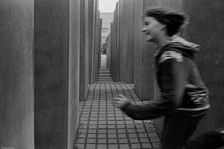 playing child in the jewish memorial Berlin | by heliolm