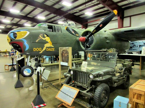 "North American B-25H ""Mitchell"" - 1940 with a 1942 Military Jeep 