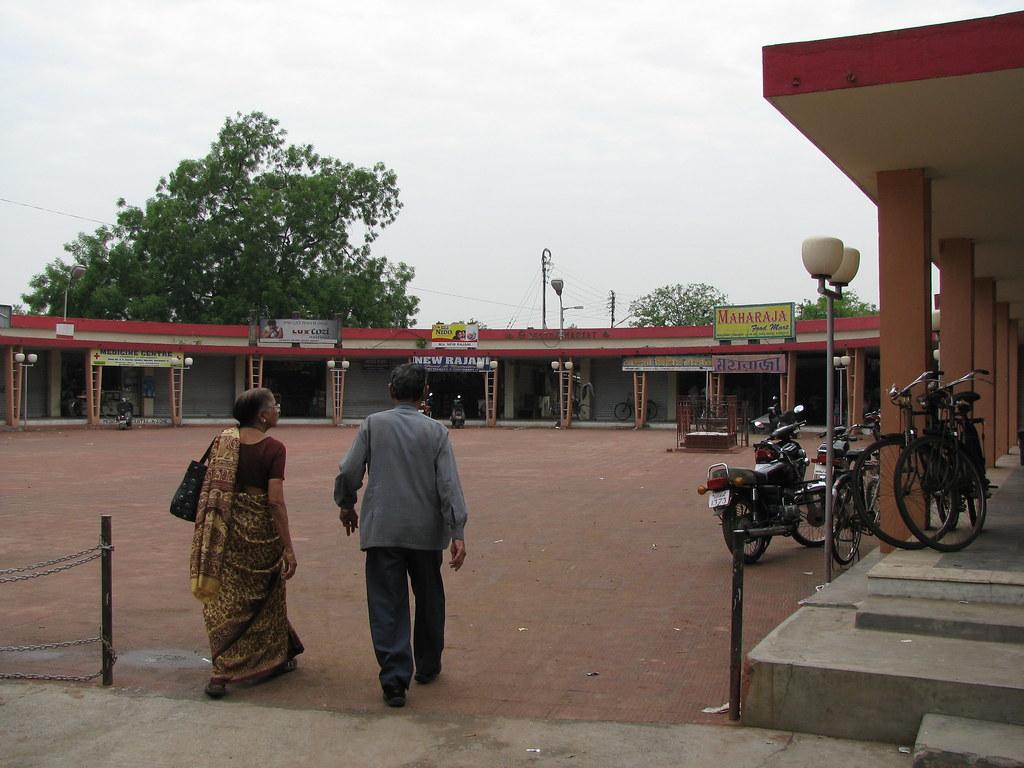 ashish market horse shoe market durgapur back into downt flickr ashish market horse shoe market durgapur by shankar s