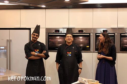 Cooking Lesson in Singapore by Makan Kitchen Chefs from DoubleTree by Hilton, Kuala Lumpur | by keropokman