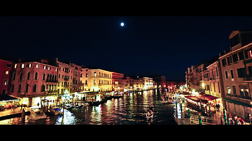 Venezia at night | by Lomoody