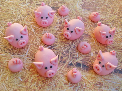 Piggy Cupcake Toppers | by Lynlee's