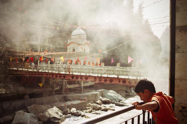 hot springs, manikaran, india | by plakka