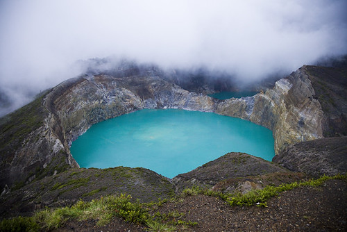 Mount Kelimutu, Flores | by fourkicks