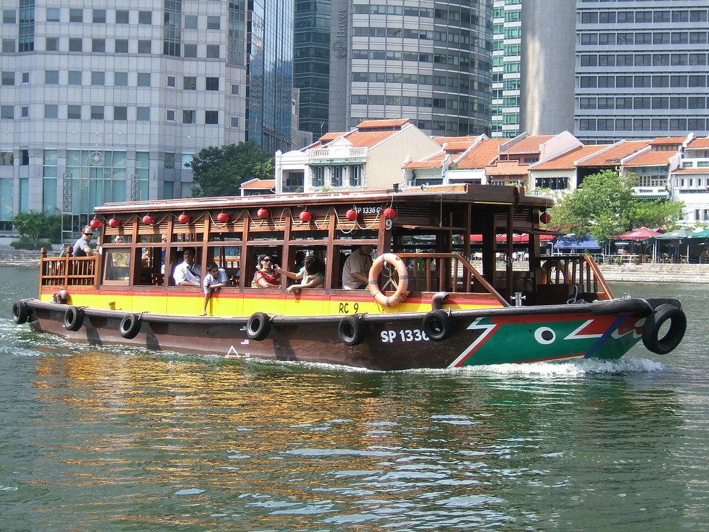 Singapore River cruise water bus