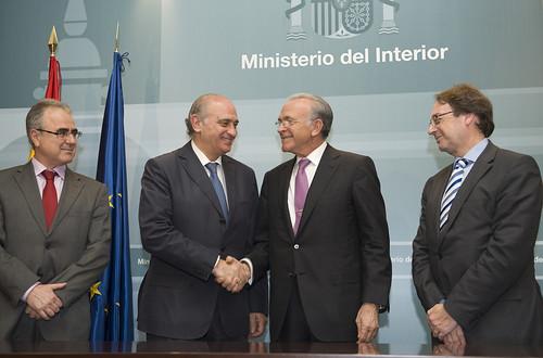 El ministerio del interior y la obra social la caixa sus for L ministerio del interior