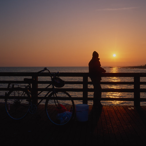 Another one from the Coney Island sunset roll...Fuji Velvia. | by Barry Yanowitz