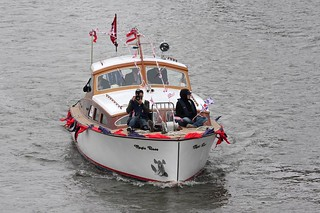 Thames Diamond Jubilee Pageant - Magic Rose | by growler2ndrow