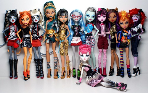 All monster high dolls names and pictures