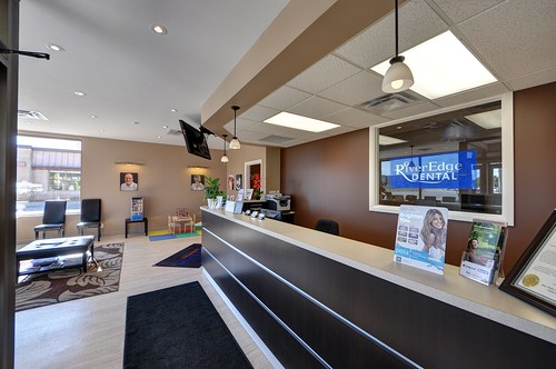 Front desk at RiverEdge Dental Front