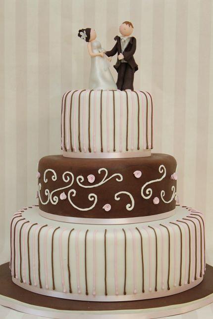 V Moderne Hochzeitstorte Cremeweiss Braun Rosa Eine Grosse A Flickr