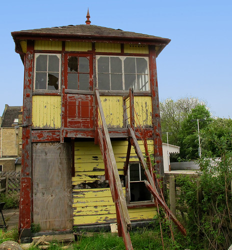 Derelict signal box. | by uplandswolf