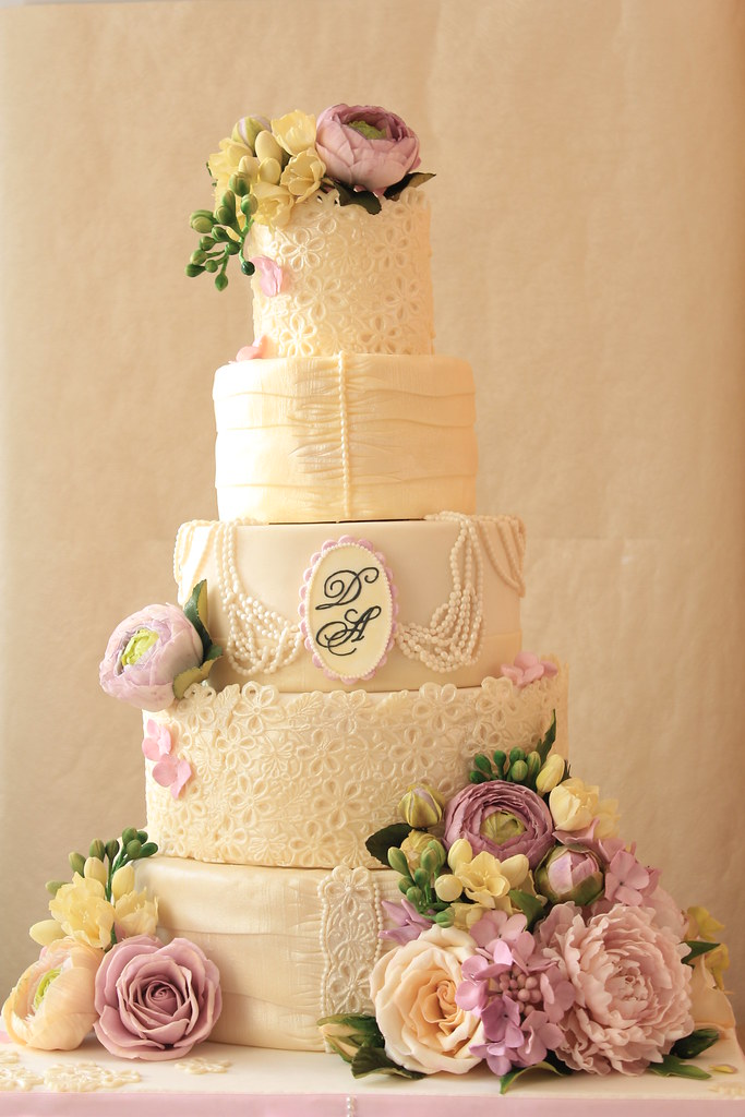 Vintage lace and pearls wedding cake | The cake to be displa… | Flickr