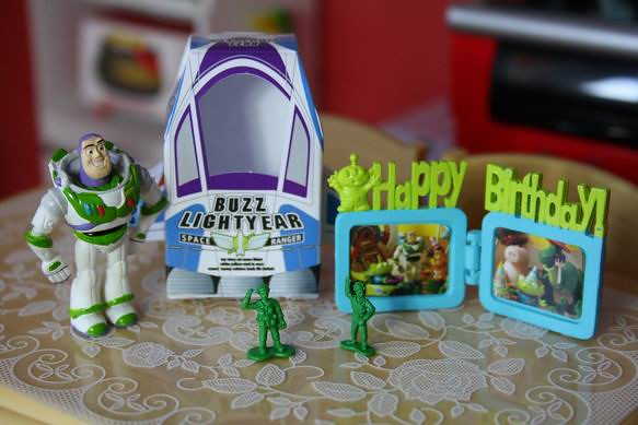 Re-ment Disney Toy Story Happy Birthday Party | Set 8 | Celine | Flickr