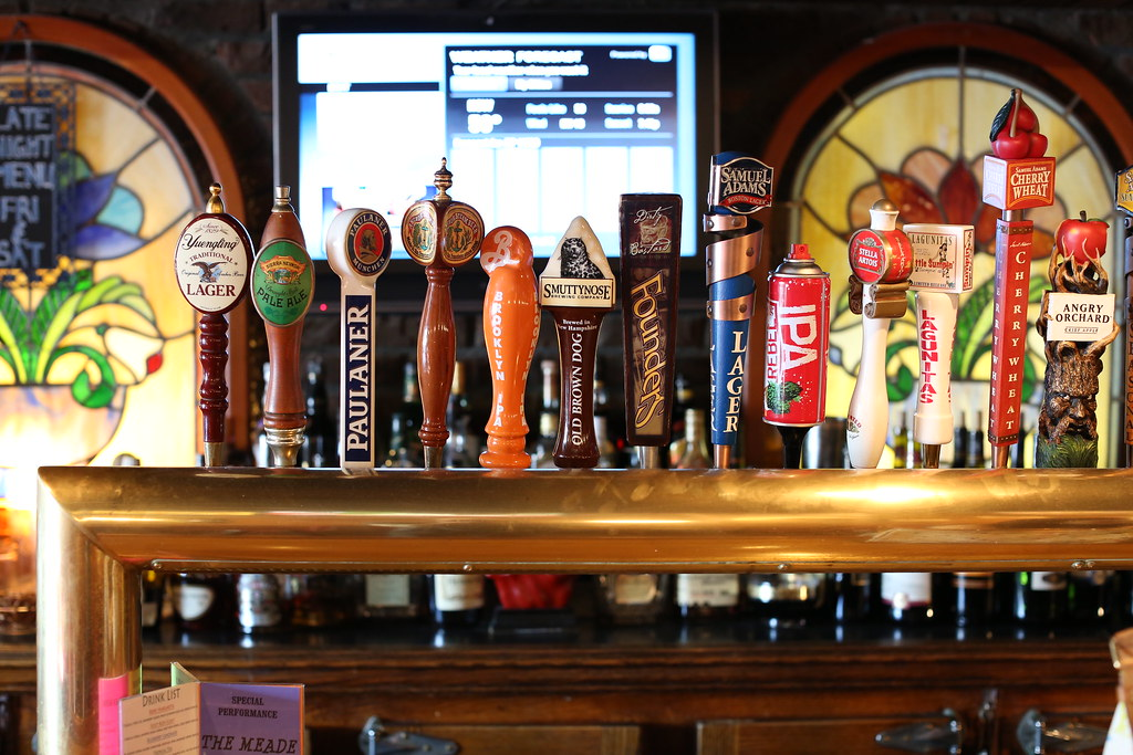 The Publicans in the novel is now known as Edisons Ale House in Manhasset, Long Island.
