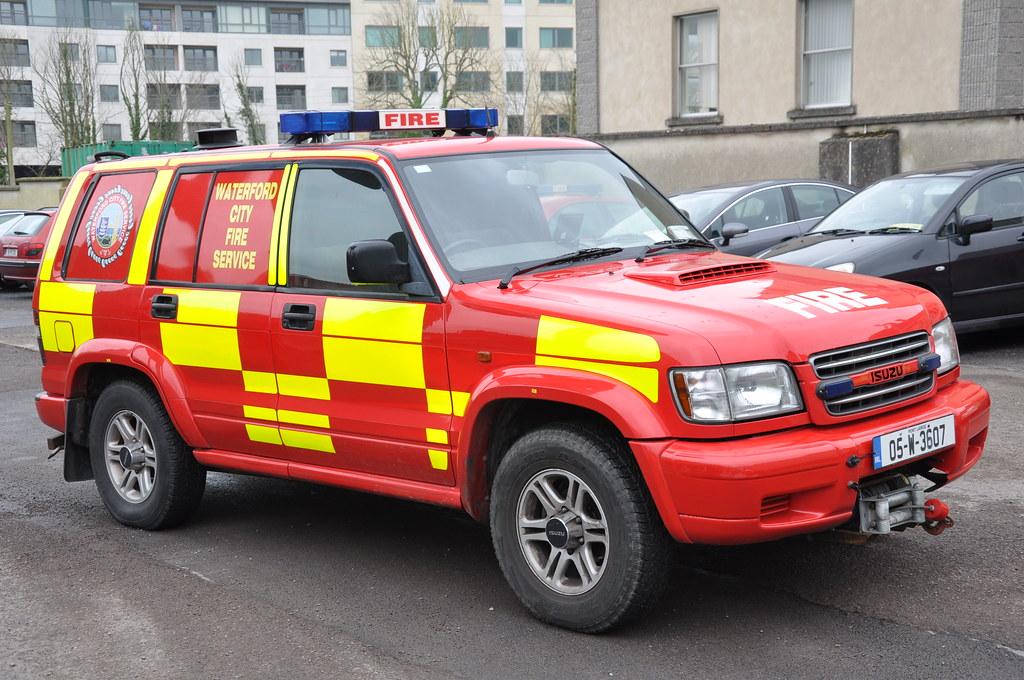 Waterford city fire service 2005 isuzu trooper l4v 05w3607 flickr waterford city fire service 2005 isuzu trooper l4v 05w3607 by shane casey ck25 aloadofball Images