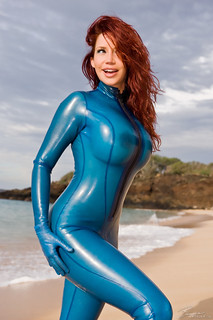 latex & zentai | by udeamy