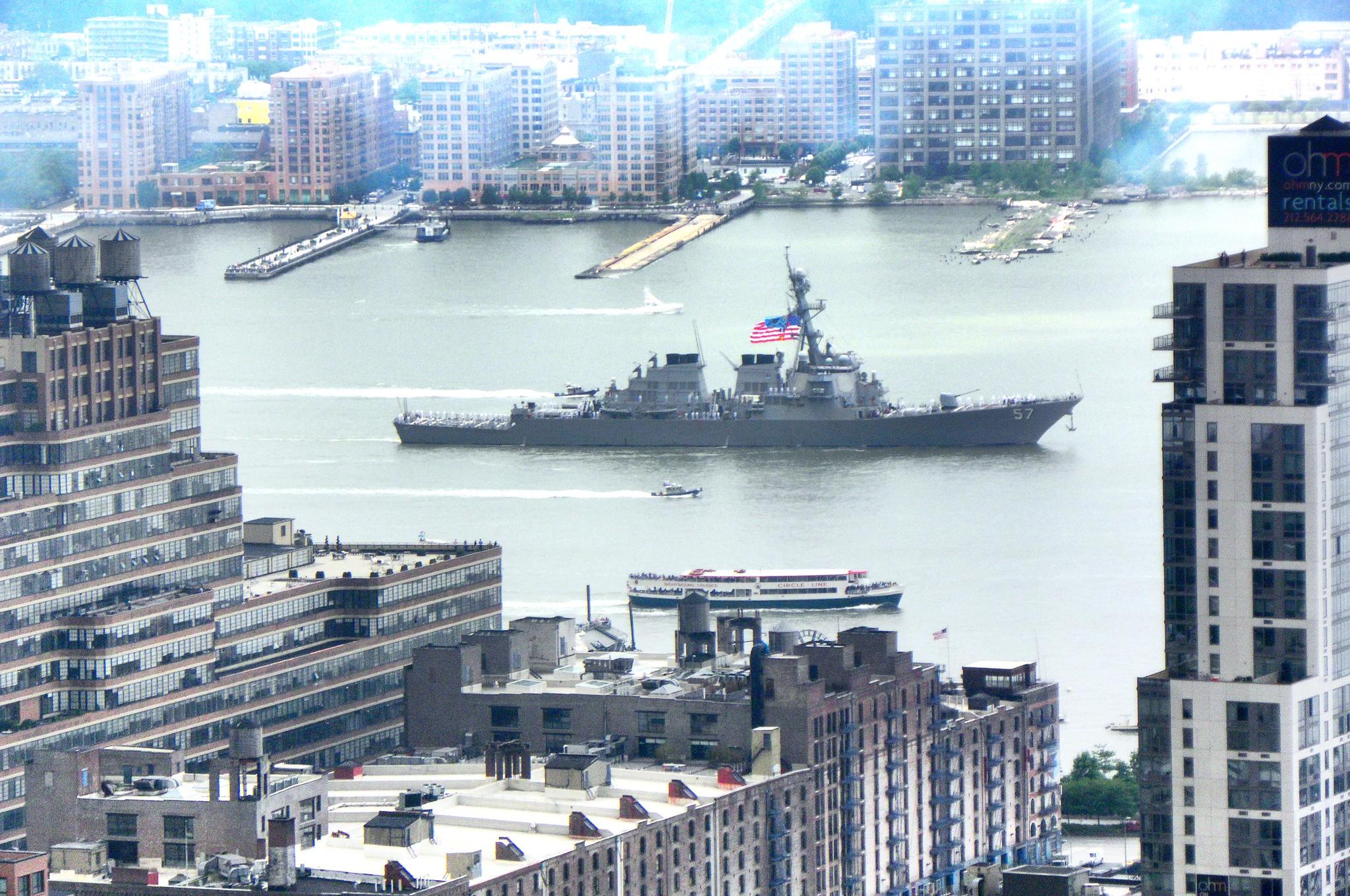 Fleet week 2012 - Navy destroyer on the Hudson
