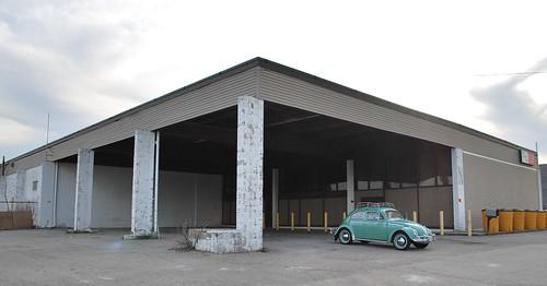 former vw dealership johnston ri i checked a 1975 vw dea flickr. Black Bedroom Furniture Sets. Home Design Ideas