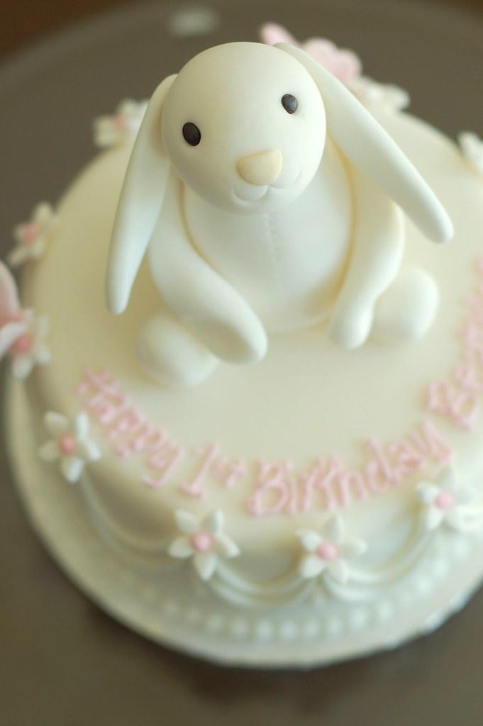 Bunny Birthday Cake Bunny Closeup Charmchang Flickr