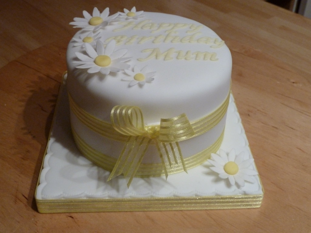 Daisy Birthday Cake Tanya Goodacre Flickr