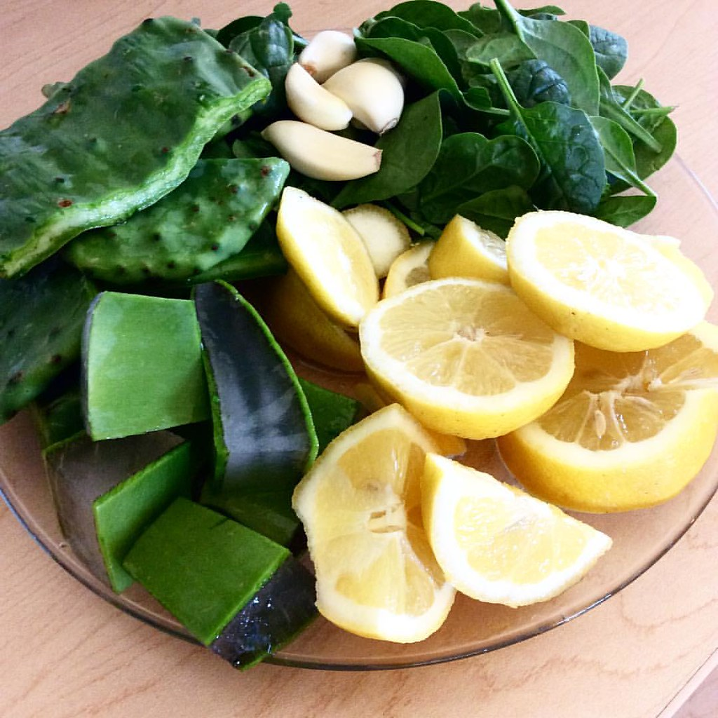 Heal YOU 🍋 SMOOTHIE Ingredients: 🌱ALOE -WHole Leaf 🌱Lem