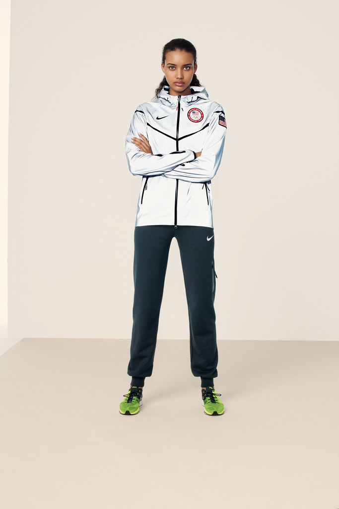 031ca24564 ... Nike US medal stand footwear and apparel