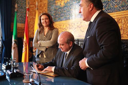 Los ministros del interior de espa a y marruecos inauguran for Ministerio del interior espana