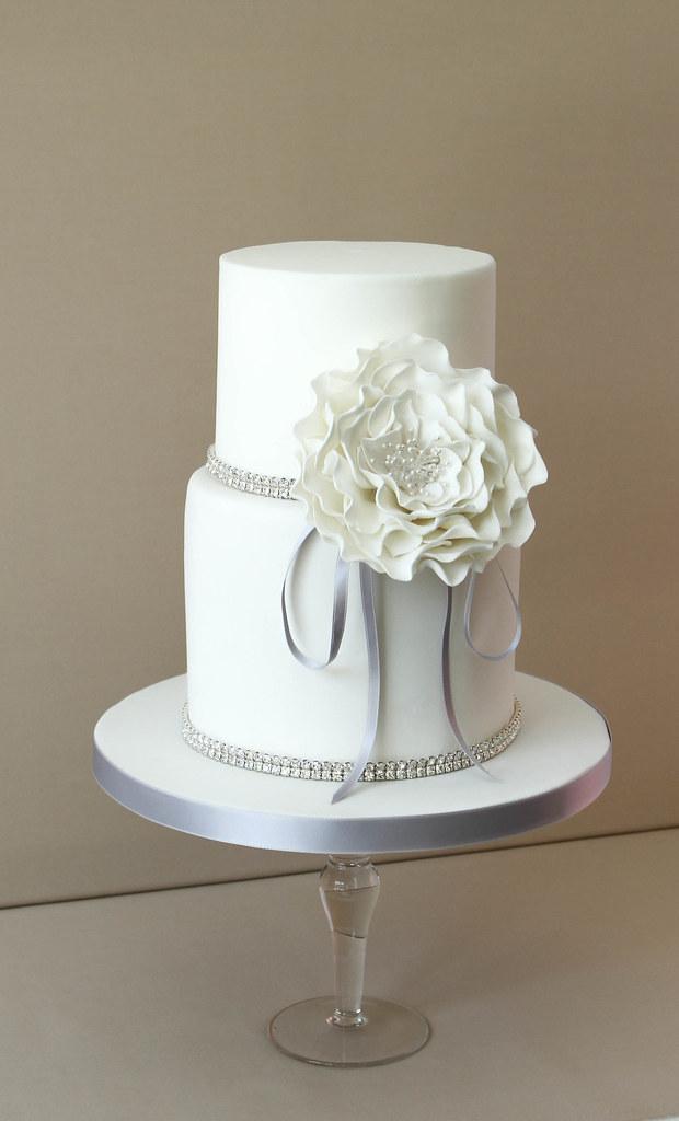 Small wedding cake uta alma hornemann flickr small wedding cake by pasteleria alma junglespirit Choice Image